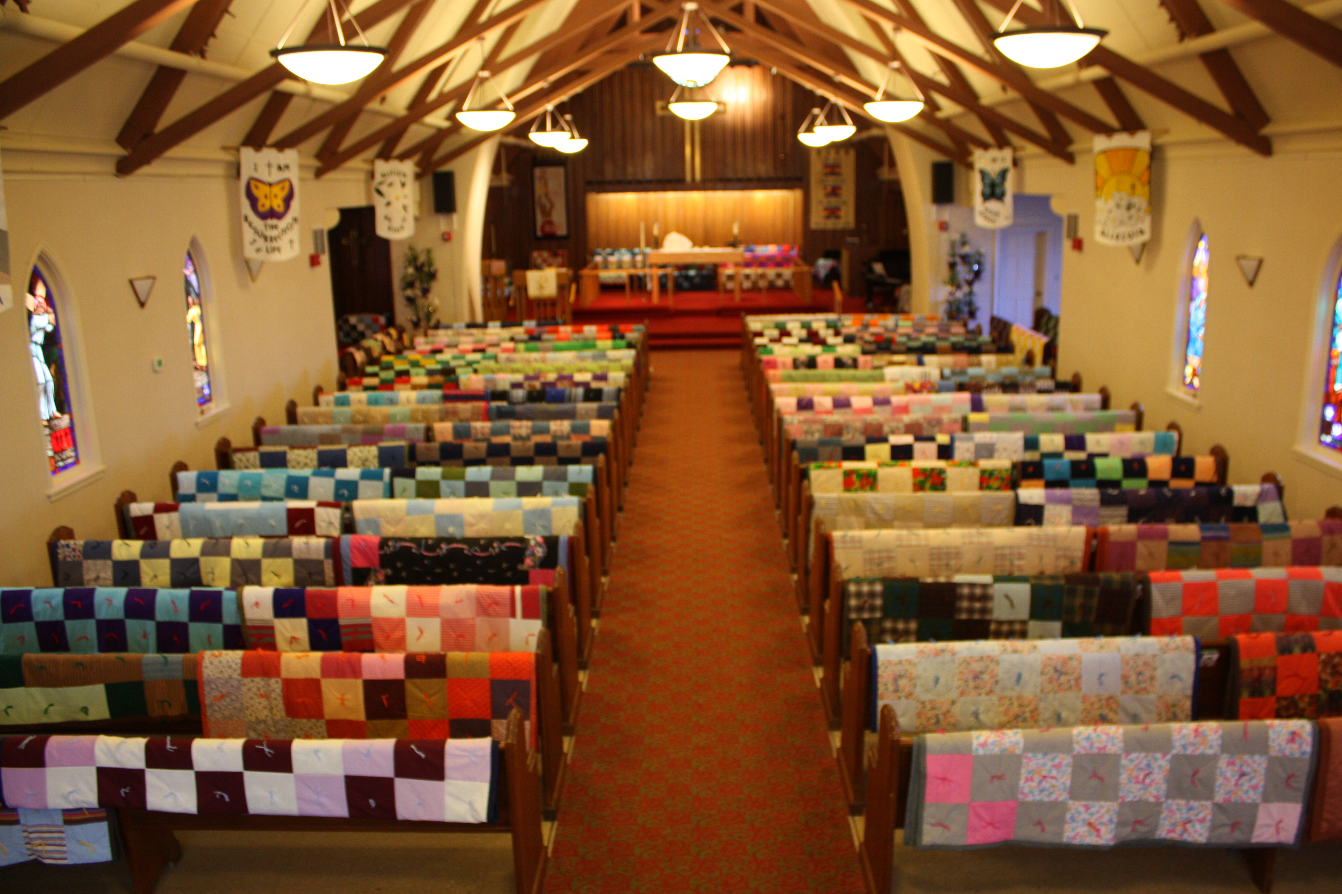 images/stories/HeaderImages/Frame2/Zion_in_quilts_above.JPG